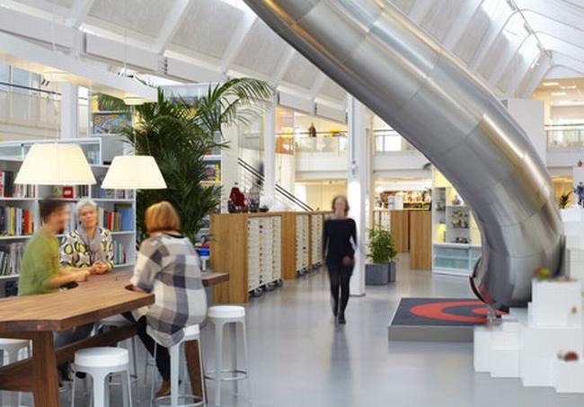 nowoczesna aranżacja biura nowoczesne przestrzenie biurowe design inspiracje projekt biura wnętrze biurowe LEGO 12