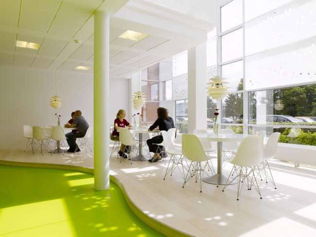 nowoczesna aranżacja biura nowoczesne przestrzenie biurowe design inspiracje projekt biura wnętrze biurowe LEGO 20