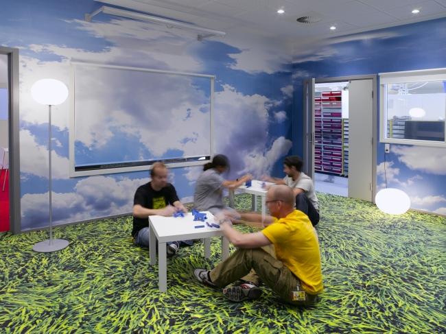 nowoczesna aranżacja biura nowoczesne przestrzenie biurowe design inspiracje projekt biura wnętrze biurowe LEGO 29