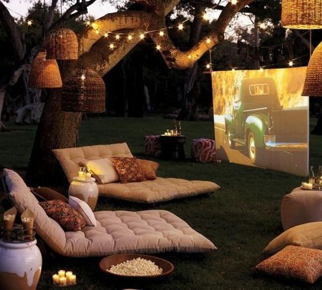 zewnętrzne domowe kino letnie w ogrodzie kino z tyłu domu kino koło domu inspiracje pomysły oudoor cinema outdoor movie theatre 11