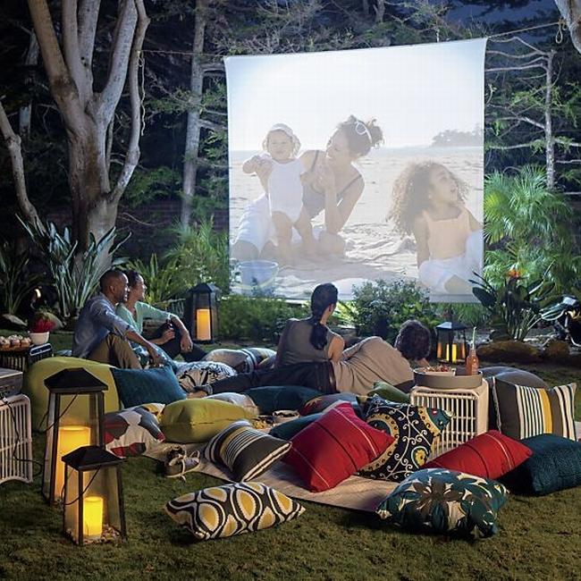 zewnętrzne domowe kino letnie w ogrodzie kino z tyłu domu kino koło domu inspiracje pomysły oudoor cinema outdoor movie theatre 12