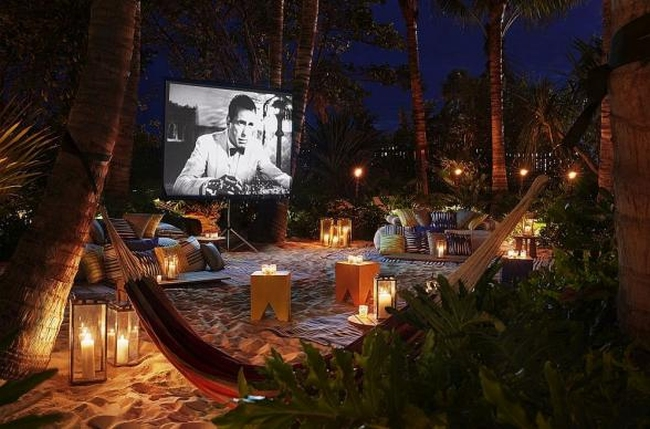 zewnętrzne domowe kino letnie w ogrodzie kino z tyłu domu kino koło domu inspiracje pomysły oudoor cinema outdoor movie theatre 28
