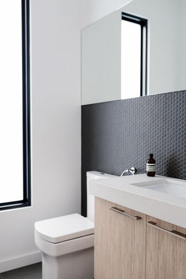 mała łazienka zobacz jak urządzić małą łazienkę inspiracje przykłady mała niewygodna łazienka jak urządzić niewielką łazienkę 02