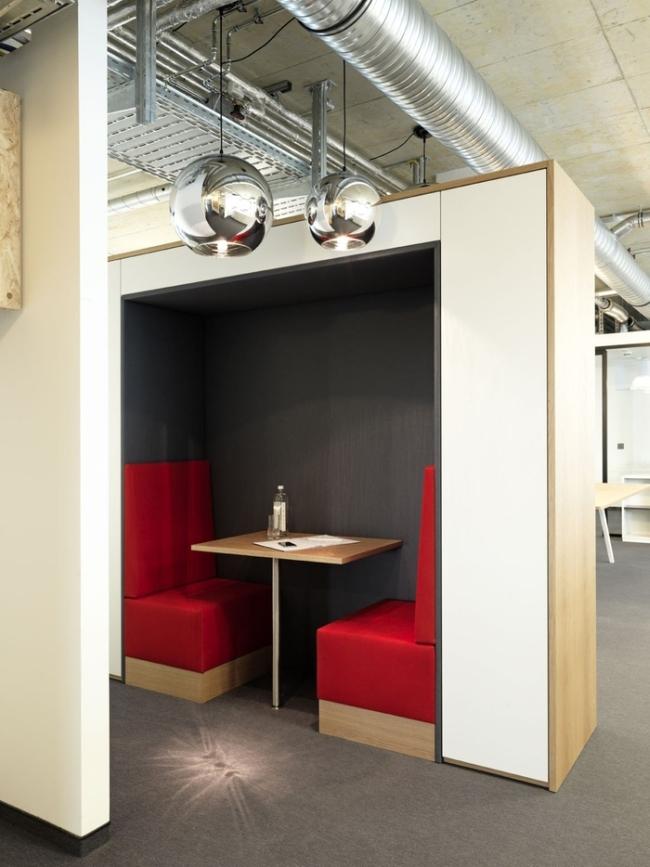 modne wnętrze biurowe design inspiracje nowoczesne projektowanie wnętrz nowoczesne biuro biura wielkich korporacji 07