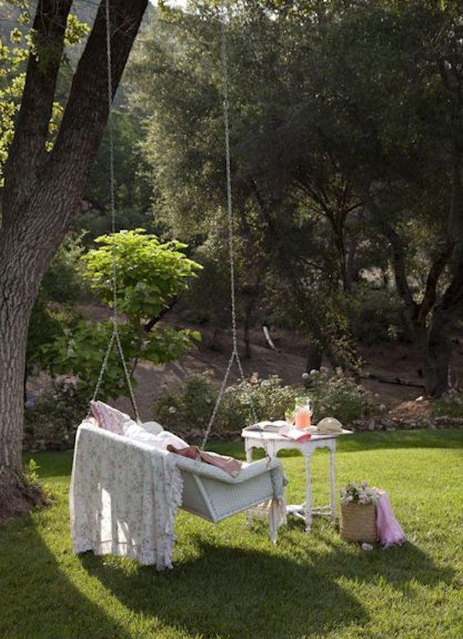 huśtawka w ogrodzie huśtawka ogrodowa inspiracje design pomysły aranżacja ogrodu jaką huśtakwę wybrać do ogrodu 08