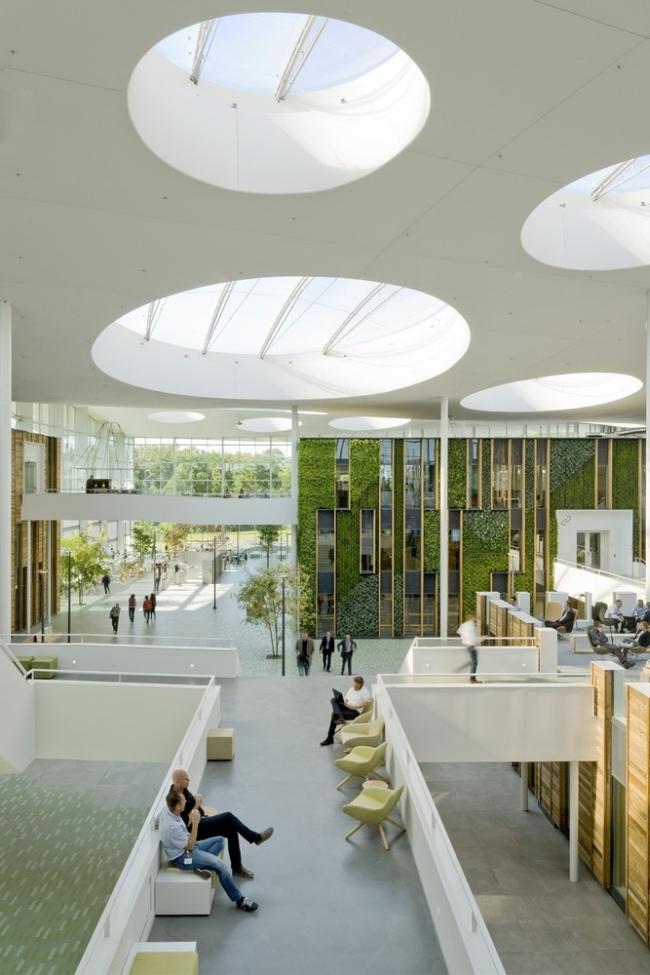 inspirujące wnętrze biura nowoczesne biuro design nowoczesnego biura inspiracje projekt biura wielkich korporacji 20