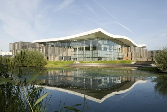 inspirujące wnętrze biura nowoczesne biuro design nowoczesnego biura inspiracje projekt biura wielkich korporacji 21