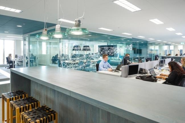 inspirujące wnętrze biura nowoczesne biuro design nowoczesnego biura inspiracje projekt biura wielkich korporacji 25