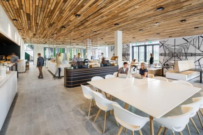 inspirujące wnętrze biura nowoczesne biuro design nowoczesnego biura inspiracje projekt biura wielkich korporacji 38
