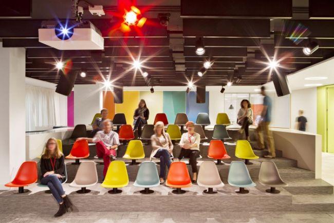 nowoczesny-design-biura-nowoczesne-biuro-nowoczesne-wnetrze-biura-inspiracje-design-inspirujace-biuro-nowoczesne-wnetrze-biurowe-kreatywna-przestrzen-biurowa-04