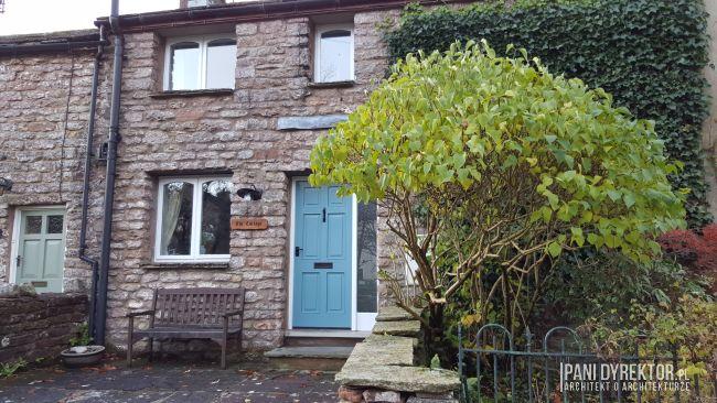 maly-angielski-domek-w-stylu-cottage-jak-zmiescic-w-domu-wszystko-co-potrzeba-pani-dyrektor-blog-17