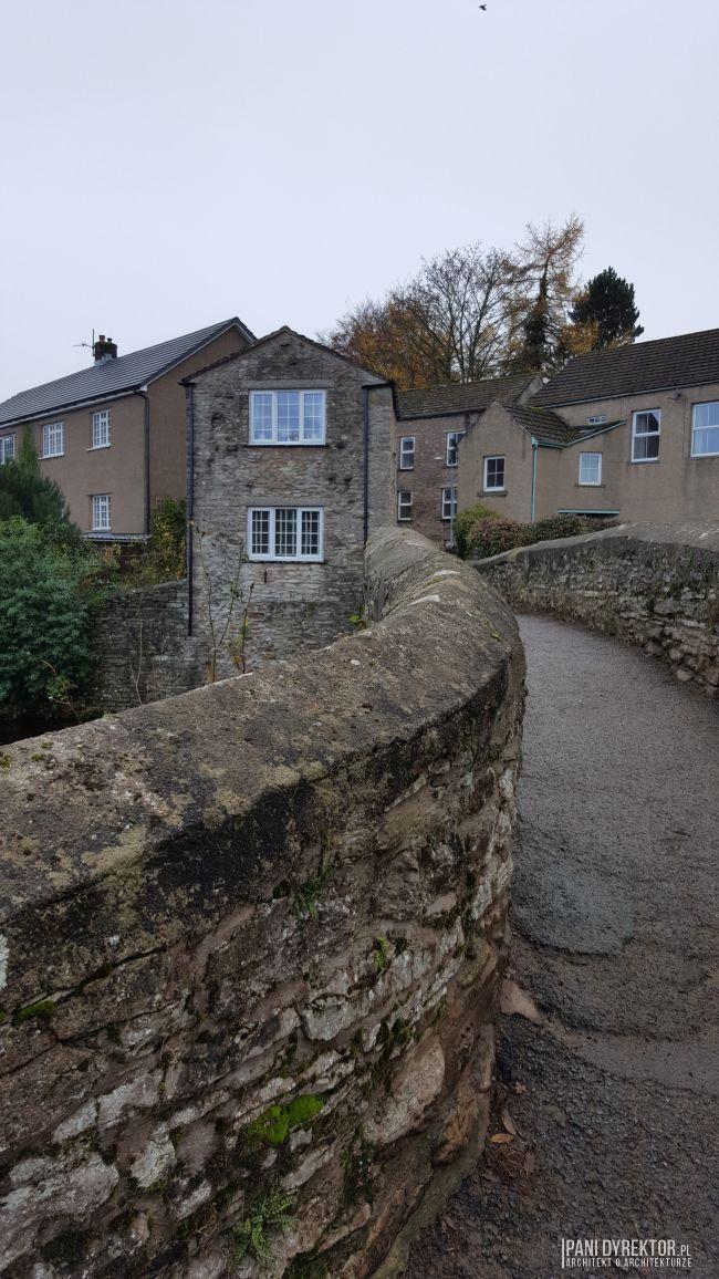 maly-angielski-domek-w-stylu-cottage-jak-zmiescic-w-domu-wszystko-co-potrzeba-pani-dyrektor-blog-19