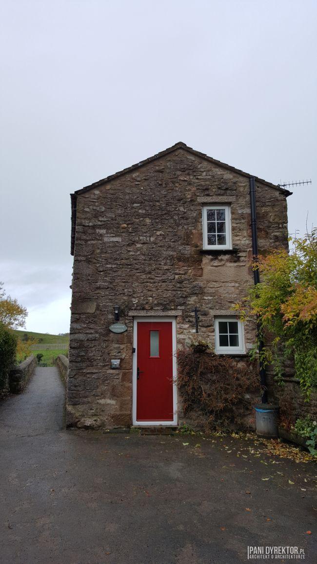 maly-angielski-domek-w-stylu-cottage-jak-zmiescic-w-domu-wszystko-co-potrzeba-pani-dyrektor-blog-20