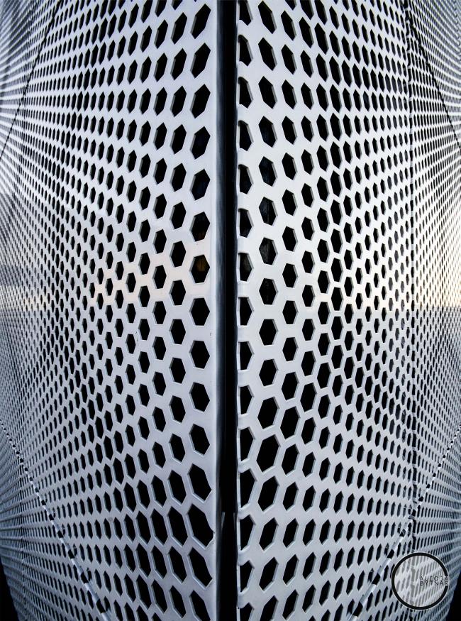 ciekawa-nowoczesna-elewacja-dla-budynku-usługowego-biura-sklepu-centrum-handlowego-inspiracje-realizacje-projekt-05