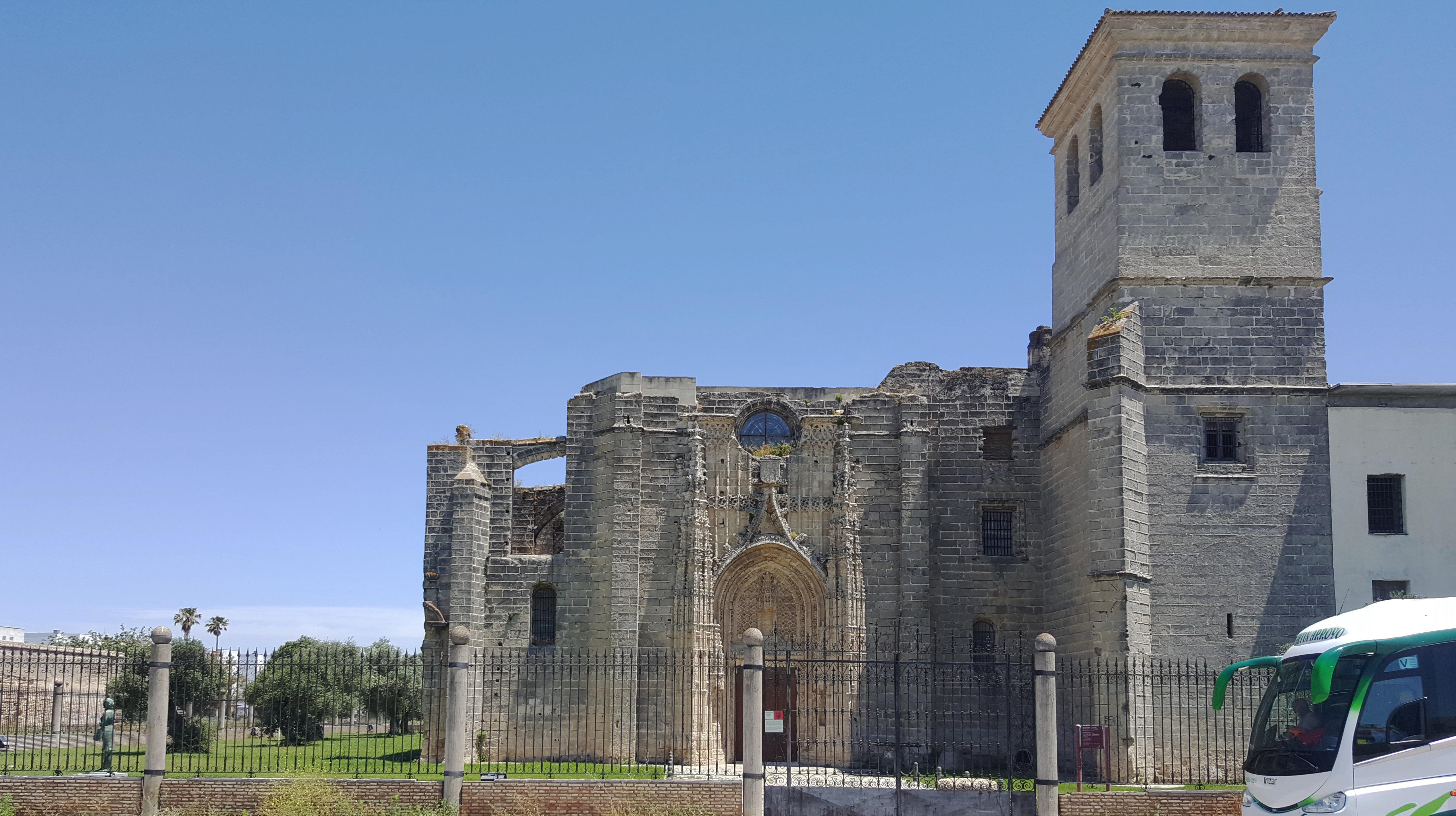 Monasterio De la Victoria, gotycki klasztor z Hiszpanii (03)