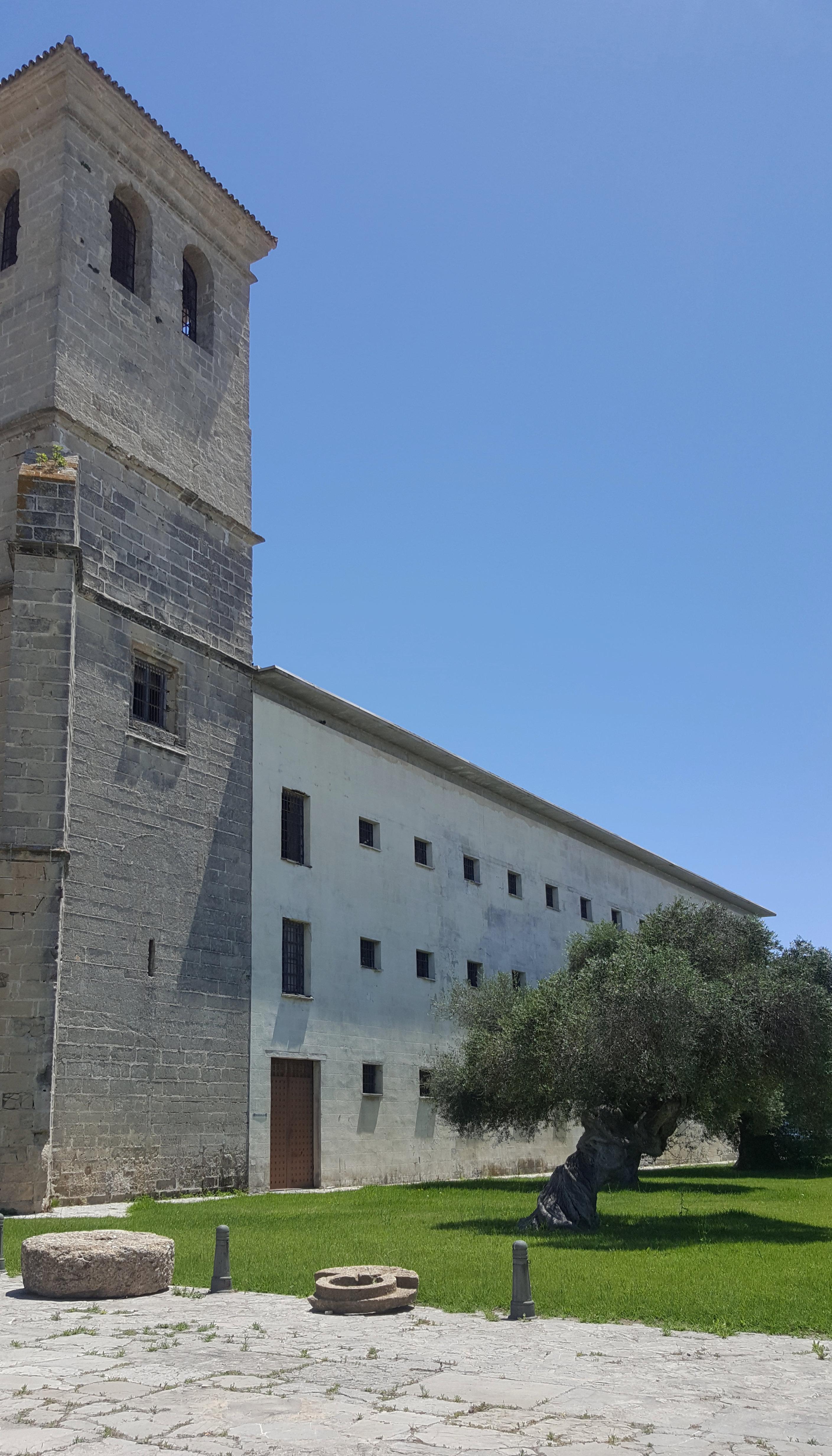 Monasterio De la Victoria, gotycki klasztor z Hiszpanii (06)