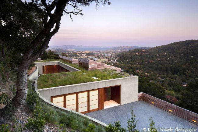 luksusowa willa na wzgórzu